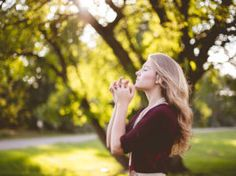 We know how to pray. We know what to pray. We know why to pray. Learn how to hear from God by just doing one thing. Sensitive People, Highly Sensitive, Intuition, Praying For Your Husband, Future Husband, Thanksgiving Prayer, Thanksgiving Table, Saint Esprit, Faith