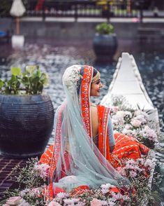 Trending Bridal Entry Ideas 2019 For Every Trendsetter Bride-To-Be! Bridal Poses, Bridal Portraits, Wedding Wear, Dream Wedding, 1920s Wedding, Glamorous Wedding, Wedding Bride, Indian Wedding Outfits, Indian Weddings