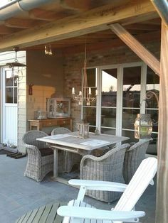 outdoor dining chairs - just like these would be perfect