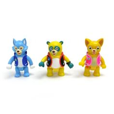 Special Agent Oso – Wolfie, Dotty And Oso Figure 3 Pack  The Special Agent Oso Figure Pack includes Oso, Dotty, and Wolfie.  Figures are fully articulated and include magnets to activate features. Includes Wolfie, Dotty, and Oso Includes Wolfie, Dotty, and Oso Fully articulated Includes Wolfie, Dotty, and Oso Includes Wolfie, Dotty, and Oso Fully articulated Magnetic activation Includes Wolfie, Dotty, and Oso Includes Wolfie, Dotty, and Oso Fully articulated Includes Wolfie, Dotty, a..