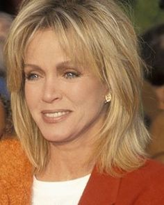 Medium Shag Hairstyles, Hairstyles Over 50, Bob Hairstyles, Hair Cuts For Over 50, Donna Mills, Beauty Tips, Hair Beauty, Transition To Gray Hair, Medium Blonde
