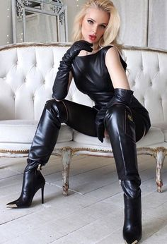Leather Pants Outfit, Black Leather Dresses, Black Leather Gloves, High Leather Boots, High Boots, Knee Boots, Leather Fashion, Fashion Boots, Botas Sexy