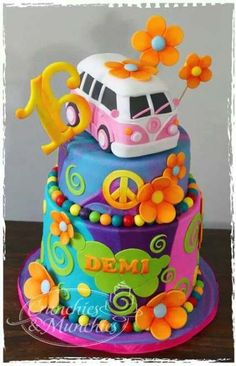 New hippie campers van flower power Ideas Pretty Cakes, Cute Cakes, Beautiful Cakes, Amazing Cakes, Bolo Hippie, Hippie Cake, 70s Hippie, Hippie Chick, Hippie Birthday Party