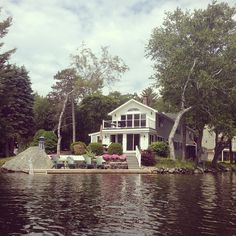 lake house Lake Beach, Lake Cabins, Mansions Homes, Waterfront Homes, Lake Life, My Dream Home, Dream Homes, House Colors, Future House