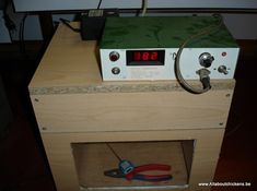 Wooden Board Incubator Homemade Cabinets, Homemade Incubator, Hatching Chickens, Chicken Incubator, Chicken Eggs, Hens, Poultry, Board, Outdoor Decor