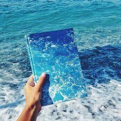 Book & Ocean as one art