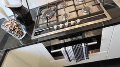 K i t c h e n   prachtig gasfornuis geleverd en geplaatst door Home-Around Design & Inspiration Centre. Ook zo mooi wonen? Kom vrijblijvend langs in onze showroom. Tot snel!