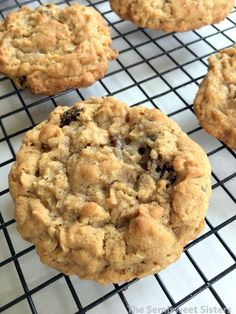 Oatmeal Cinnamon Raisin Cookies