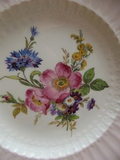 Fluted English Bone China Plate With Wild Roses and by YBINUCAROL