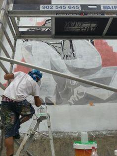 Artistas en acción #ArteUrbano en los #MurosTabacalera #ArteTabacalera Día 2.  http://www.murostabacalera.com/