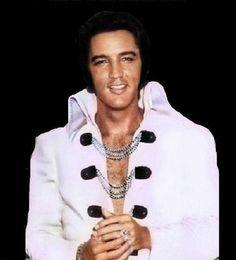 No words needed.Als je beide foto's naast elkaar ziet, wat en waar is het zo mis gegaan zo,n ontzettend groot talent en toch niet gelukkig, leven en geleefd worden mischien,,,,,jammer zo jammer voor de mens Elvis....lbxxx.
