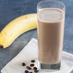In this easy smoothie recipe, tofu packs protein and adds creaminess for a deliciously satisfying way to start your day. Tofu Smoothie, Peach Mango Smoothie, Coffee Banana Smoothie, Blueberry Banana Smoothie, Banana Coffee, Apple Smoothies, Easy Smoothies, Green Smoothies, Breakfast Smoothies