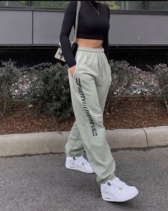 Swaggy Outfits, Baddie Outfits Casual, Cute Casual Outfits, Stylish Outfits, Vest Outfits, Tomboy Fashion, Teen Fashion Outfits, Retro Outfits, Streetwear Fashion