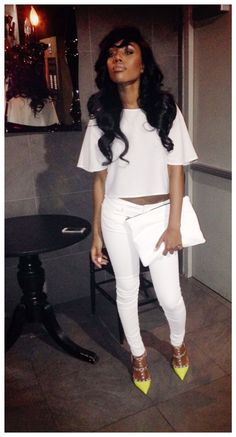 Not a fan of white jeans but they look quite nice here with the contrasting shoes.