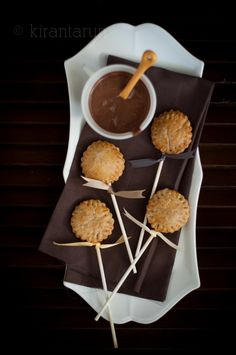 coconut butter & nutella pie pOps