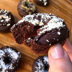 "Donettes de avena doble choc Donets of avena doble choc ""fit"" (Donuts fitness) Related Post 5 Weight-Crushing Quotes to Keep Your Level Up! My Recipes, Sweet Recipes, Real Food Recipes, Dessert Recipes, Recipe For 4, Healthy Desserts, Love Food, Bakery, Food And Drink"