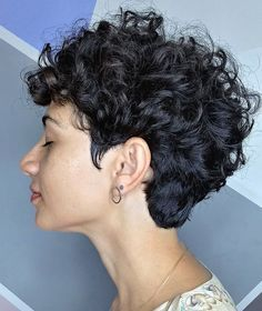 Short Curly Hairstyles For Women, Haircuts For Curly Hair, Curly Hair Cuts, Curly Hair Styles, Short Pixie Haircuts, Tomboy Haircut, Short Curly Cuts, Shot Hair Styles, Hair Inspiration