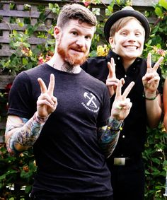 Look at Pat, he's so cute! And Andy just KNOWING he's 10000x cooler than us all!
