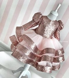 Champagne Gold Sequins Long Sleeve Baby Girl Dress Sheer Neck Kids First Birthday Dress Party Gown with Bow Little Girl Dresses, Girls Dresses, Flower Girl Dresses, Baby Girl Fashion, Kids Fashion, Style Fashion, First Birthday Dresses, Kids Gown, Kids Frocks