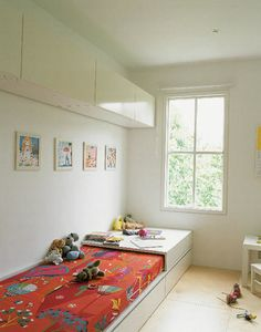 Children's room - Built in bed - Via AAM Kid Spaces, Small Spaces, Long Narrow Rooms, Built In Bed, Wall Cupboards, Kids Decor, Home Decor, Kid Beds, Bunk Beds