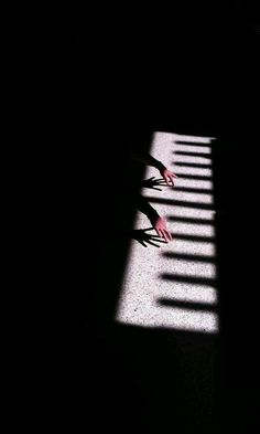 This image is so clever. The photographer saw the shadow and realized that it looked like a piano. The hands that are coming out of the dark look like they are playing the piano, even though it is just a shadow. Conceptual Photography, Creative Photography, Art Photography, Grunge Photography, Artistic Photography, Photography Business, Street Photography, Film Noir Fotografie, Shadow Play