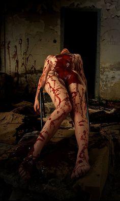 Women of Horror and Violence Creepy Horror, Horror Art, Scary, Creepy Stuff, Horror Photography, Dark Photography, Rainer Maria Rilke, Blood Art, Dark And Twisted