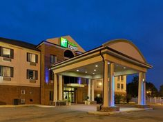 Sylacauga (AL) Holiday Inn Express Sylacauga Hotel United States, North America Set in a prime location of Sylacauga (AL), Holiday Inn Express Sylacauga Hotel puts everything the city has to offer just outside your doorstep. Featuring a complete list of amenities, guests will find their stay at the property a comfortable one. To be found at the hotel are free Wi-Fi in all rooms, facilities for disabled guests, Wi-Fi in public areas, car park, meeting facilities. Each guestroom...