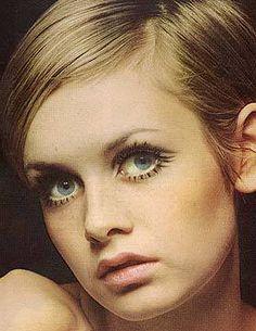 Twiggy 1960s vintage fashion, mod, retro fashion, Twiggy hair, Twiggy makeup, Twiggy style, Swinging Sixties, 1960s life
