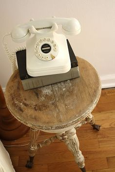 http://charmingages.tumblr.com/tagged/telephone We use old piano stool for our phone too