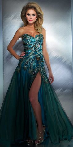 Oh lord this is gorgeous!!! Mac Duggal Peacock Prom Dress 42660M $550.00