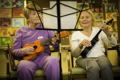 Phyllis Mangun (left) and Ivonne Vanderbilt of the Bell Trace Ukulele Club. Photo by Tyagan Miller
