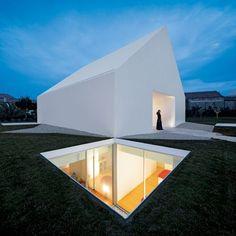 Aires Mateus, House in Leiria, Leiria, Portugal © Fernando Guerra | FG+SG #minimalistarchitecture
