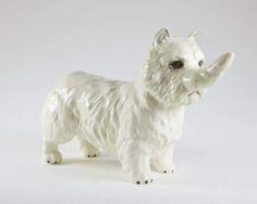 "Debra Broz, Tail-horn Terrier. 4 x 6 x 3"". 2009, ceramica"