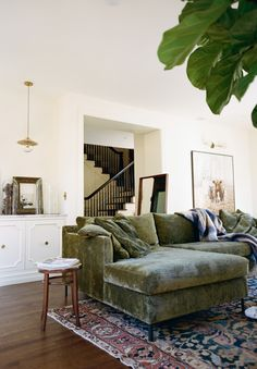 Eclectic Living Room, Living Room Green, Home Living Room, Living Room Designs, Living Room Decor, Decor Room, Living Spaces, Wall Decor, Plywood Furniture