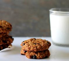 Vegan, Glutenfree Wildblueberry Oatmeal Cookies, totally appropriate for breakfast or snack!