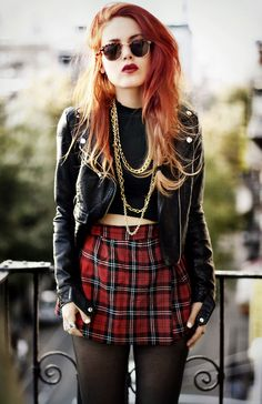 Tip: If you are a redhead or have warm autumn coloring, keep bolder shades of plaid on the bottom half of your body away from your face.