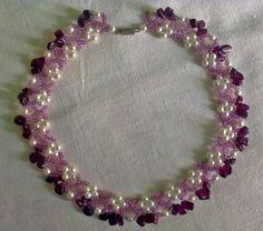 Free pattern for beautiful beaded necklace Garnet Grove           U need:seed beads 10/0-11/0 pearl beads 4-5 mm gemstone chips          Click to get book about Beading
