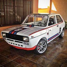 Best Sports Cars : Fiat 147 from Brazil… Fiat 500, 147 Fiat, Volkswagen, Vw Mk1, Cool Sports Cars, Sport Cars, Fiat Sport, Fiat Cars, Martini Racing