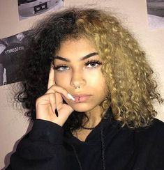 Lace Frontal Wigs Natural Curly Hair Updos Short Hairstyles For Curly Hair 2019 Best Women Curly Wigs Blonde Curly Wigs For African American Dyed Curly Hair, Curly Hair Styles, Dyed Natural Hair, Dye My Hair, Natural Hair Styles, Half Dyed Hair, Guys With Curly Hair, Curly Hair White Girl, Half And Half Hair