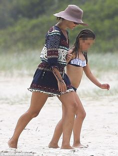 Princess Mary hits the beach again in Byron Bay   Daily Mail Online