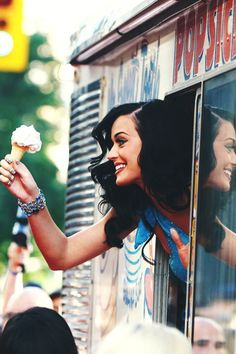 (Katy Perry) This captures what I want to be like. Beautiful with a joyful attitude, being generous to others and bringing happiness wherever I go.