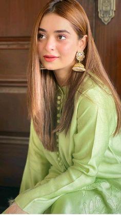 Pakistani Kids Dresses, Asian Wedding Dress Pakistani, Pakistani Fashion Casual, Pakistani Dress Design, Pakistani Outfits, Eid Outfits, Stylish Dress Book, Stylish Dresses For Girls, Stylish Dress Designs