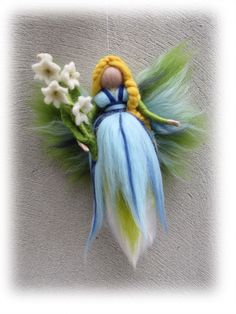 Deko-Objekte - Maiglöckchen Cynthia , Fee geflzt aus Wolle, - ein Designerstück von filzweiber bei DaWanda