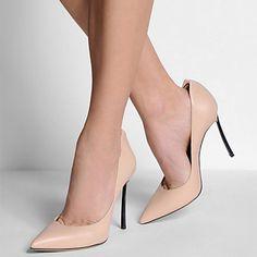 Si buscas unos zapatos Nude para poder llevar con cualquier vestido, estos son los adecuados