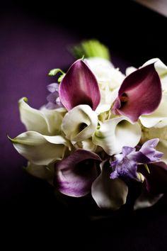 LOVE LOVE LOVE this bouquet! #weddings #flowers #Minnesotaweddingphotographers http://www.bellagala.com/wedding-floral/index.html