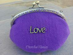 """Monedero grande violeta con """"Love"""" (cierre bronce)"""