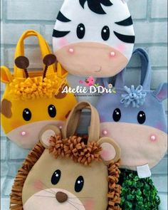 Photo by Ateliê D'Dri on September Baby Crafts, Felt Crafts, Diy And Crafts, Sewing Toys, Sewing Crafts, Sewing Projects, Safari Party, Sewing Stuffed Animals, Craft Show Ideas