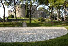 Castle-Gorizia-01-View-on-Piazzale-Seghizzi « Landscape Architecture Works | Landezine