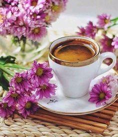 Nice cup of coffee ☕️. Coffee Vs Tea, Coffee Is Life, I Love Coffee, Coffee Cafe, Coffee Drinks, Good Morning Coffee, Coffee Break, Coin Café, Café Chocolate