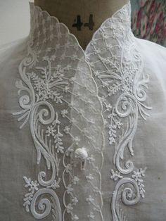 Resultado de imagem para Stunning White Linen Tablecloth Topper Cutwork Embroidery Butterflies $29.99